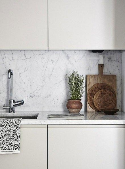 cuisine-design-scandinave-dosseret-marbre-blanc